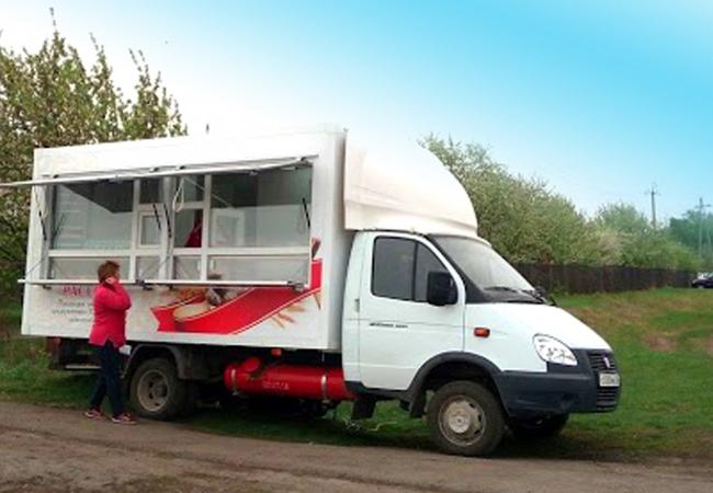 Современные автомагазины Каргапольского сельскохозяйственного потребительского перерабатывающе-сбытового кооператива «Надежда» с собственной продукцией, произведенной на кооперативном предприятии, начали обслуживание сельского населения в регионе.